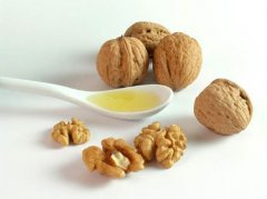 Healthy Natural Walnut Oil Is Recommended for You